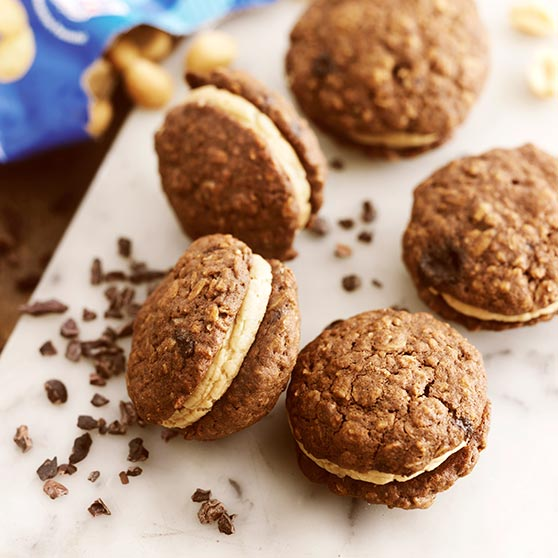 Oatcakes With Chocolate Peanut Butter Frosting