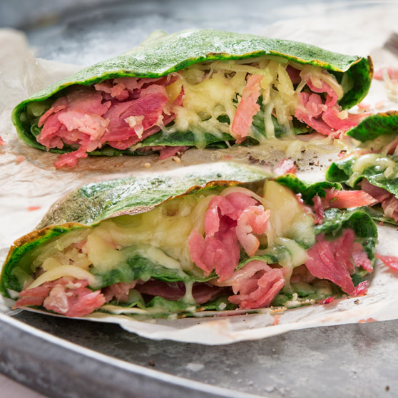 Spinach Pancakes with Caramelised Ham and Cheese