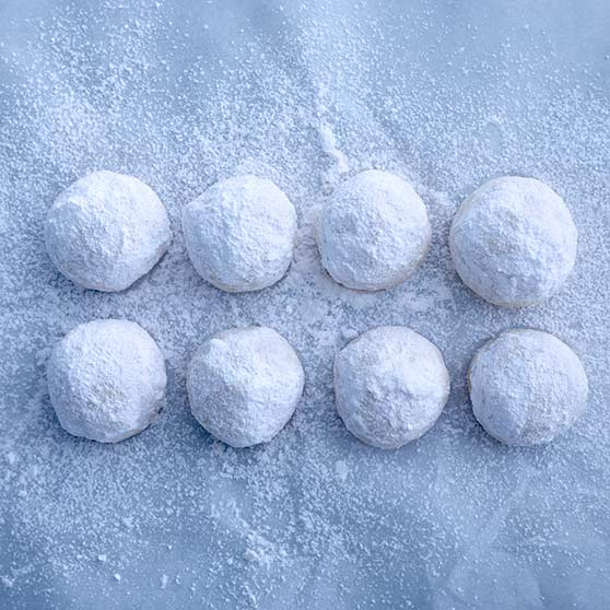 Snowball cakes
